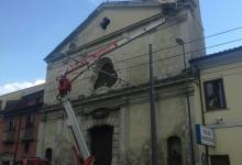 Avellino| Calcinacci della chiesa di San Generoso, intervengono i vigili del fuoco