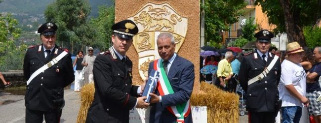 Foglianise| Una scultura di paglia per i Carabinieri di Montesarchio