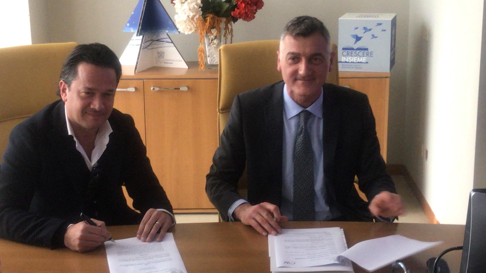 Benevento e Caserta firmano una convenzione per il turismo. Benevento promossa nell'infopoint della Reggia