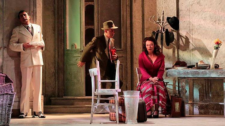 "Avellino| Teatro Gesualdo, sabato e domenica la commedia ""Questi Fantasmi"""