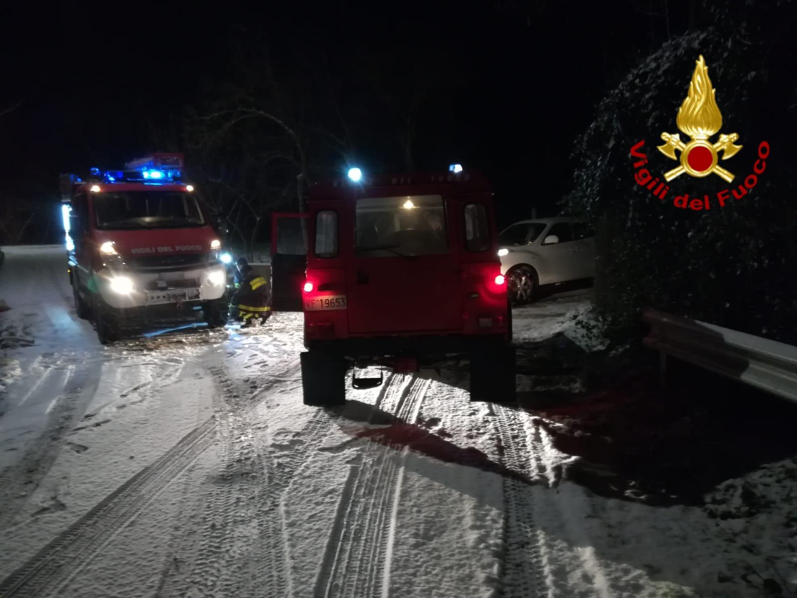 Irpinia| Neve e viabilità, numerosi recuperi di veicoli da parte dei vigili del fuoco