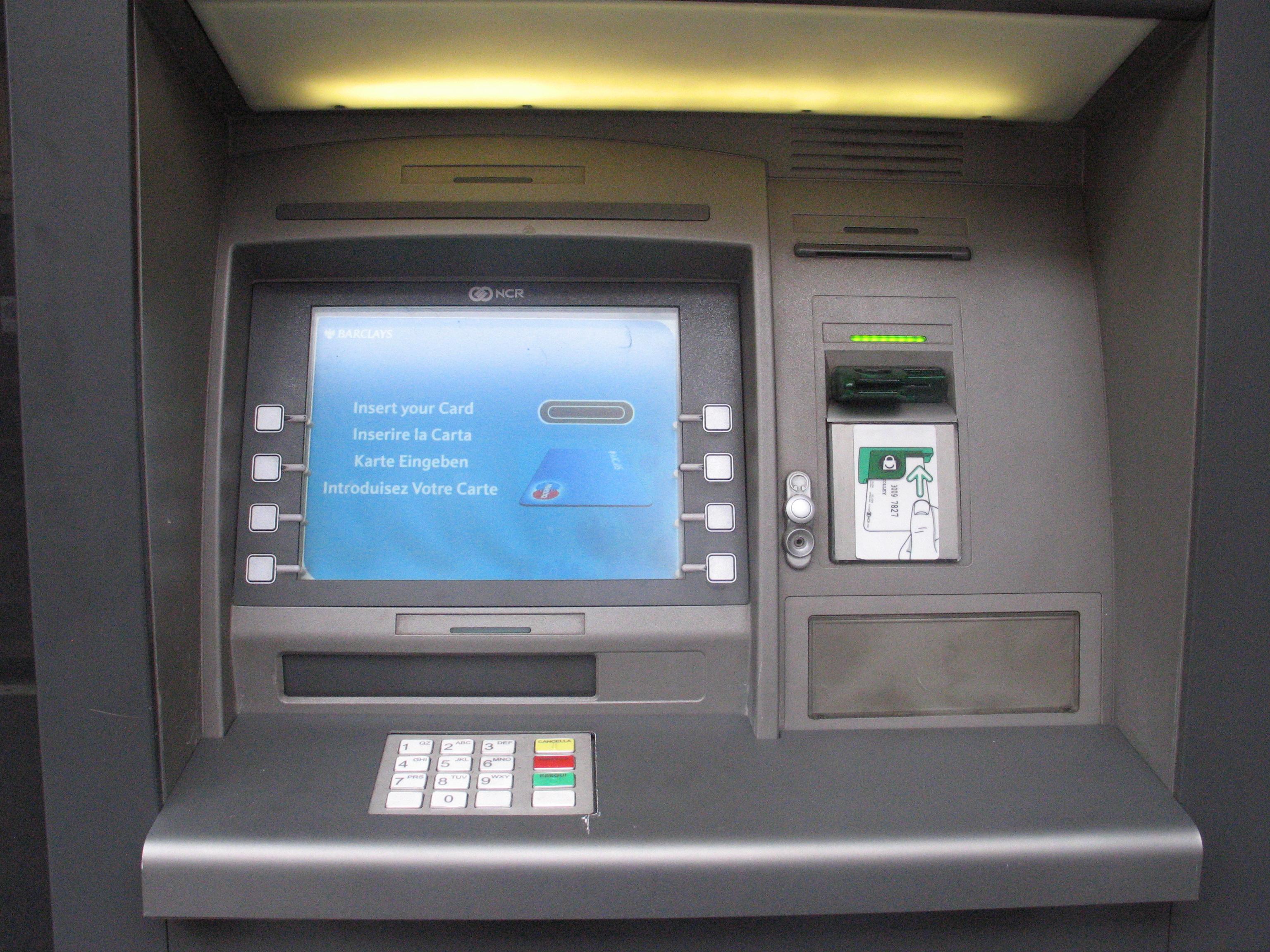 Avellino| Si appropria di 600 euro da un bancomat, 55enne denunciato per furto aggravato