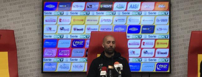 """Benevento, Bucchi: """"Sconfitta immeritata, arrabbiato anche per l'arbitraggio"""""""