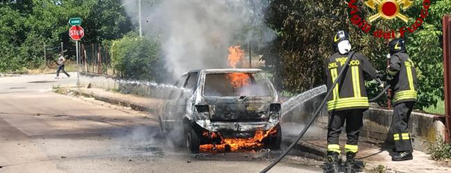 Grottolella| Un'auto si ribalta e un'altra prende fuoco a Mugnano, paura per 2 donne al volante