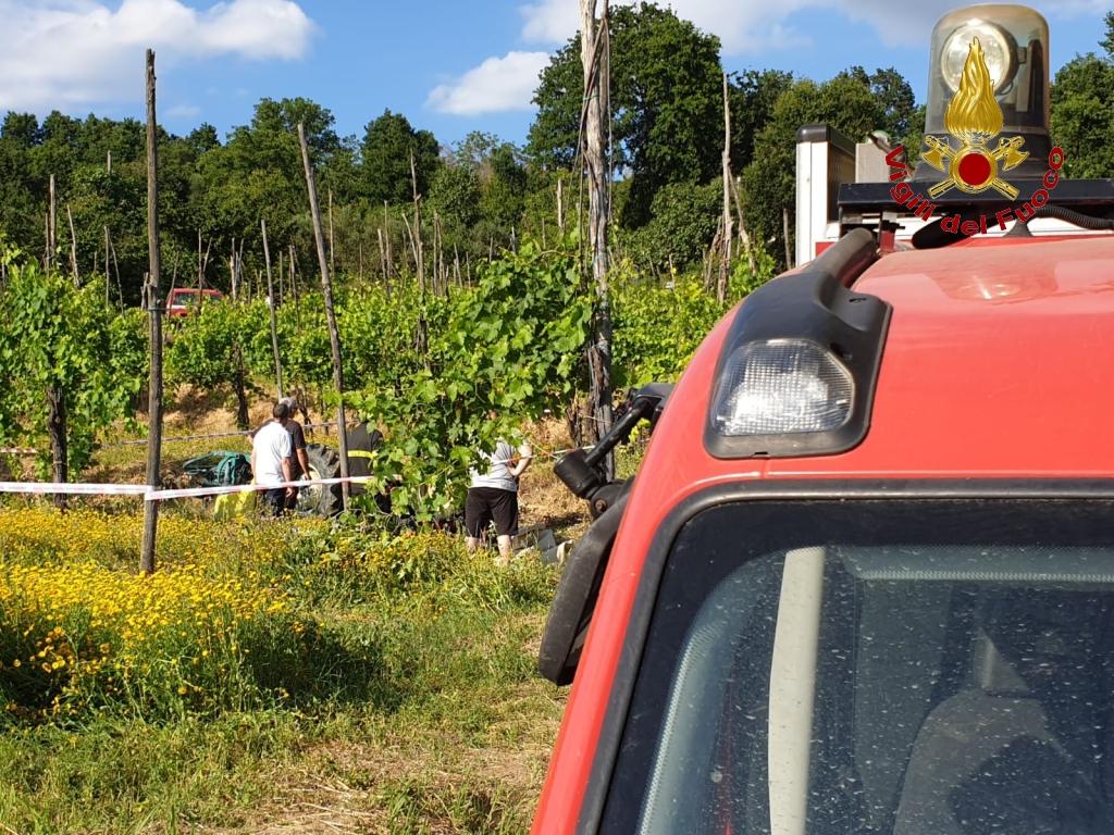 Montoro| Alla guida del trattore 44enne si ribalta e muore, ennesima tragedia nei campi