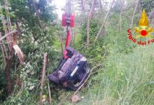 Auto finisce in una scarpata per 80 metri, 2 donne recuperate dai pompieri. Interventi anche a Conza e Lauro