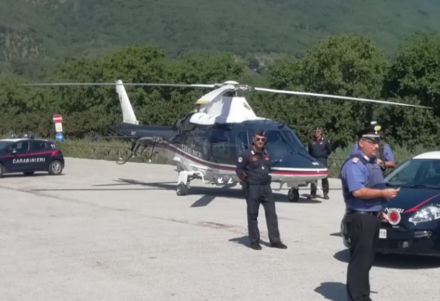 Montoro  Droga e pregiudicati, controlli a tappeto dei carabinieri con l'aiuto di un elicottero