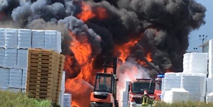 Incendio Pianodardine, sul posto anche i Vigili del Fuoco di Benevento