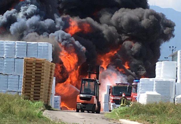 Avellino| Incendio ICS: non si esclude ipotesi dolosa