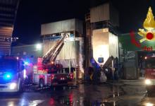 Nusco| In fiamme un silos di un'azienda locale, intervengono i vigili del fuoco