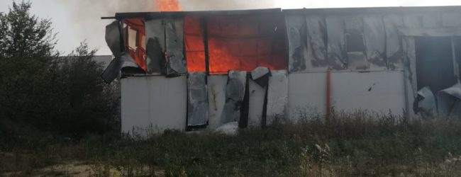 Incendio a San Salvatore Telesino, si attende rapporto dei Vigili del Fuoco
