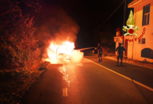 Mugnano del Cardinale| Furgone in transito sulla statale 7 avvolto dalle fiamme, intervento dei vigili del fuoco