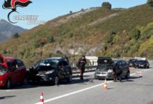 Montemarano| Tragedia sulla statale 7 bis, si fermano a soccorrere un automobilista e vengono investiti: morti 2 uomini sbalzati giù dal ponte