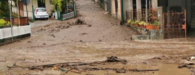 Colate di fango a Santo Stefano del Sole e allagamenti a Santa Lucia di Serino, arriva la Protezione Civile