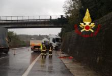 Montemiletto| Incidente sull'A16, automezzo sbatte contro il muro e perde gasolio sulla carreggiata