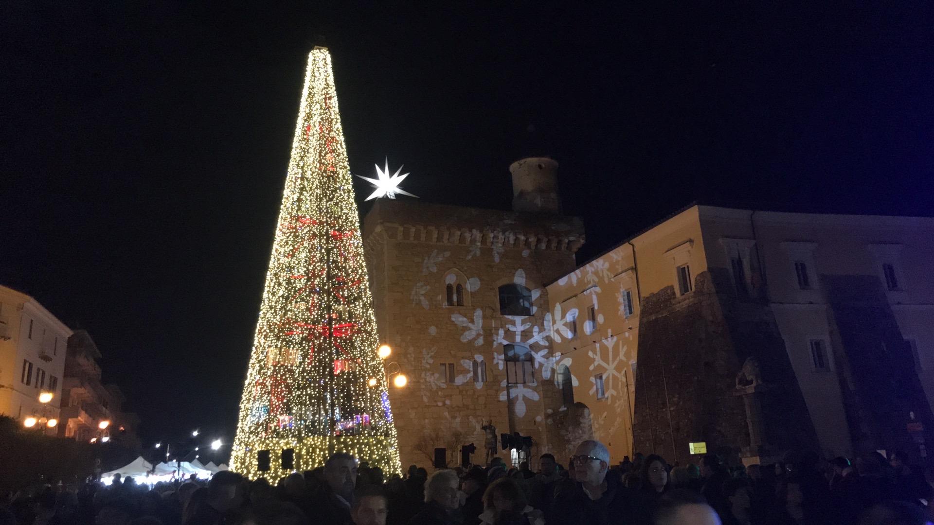 Benevento  Potere al Popolo: chiediamo al comune  e a tutti i centri della provincia di indirizzare le risorse economiche previste per le luminarie di Natale a finalità sociali