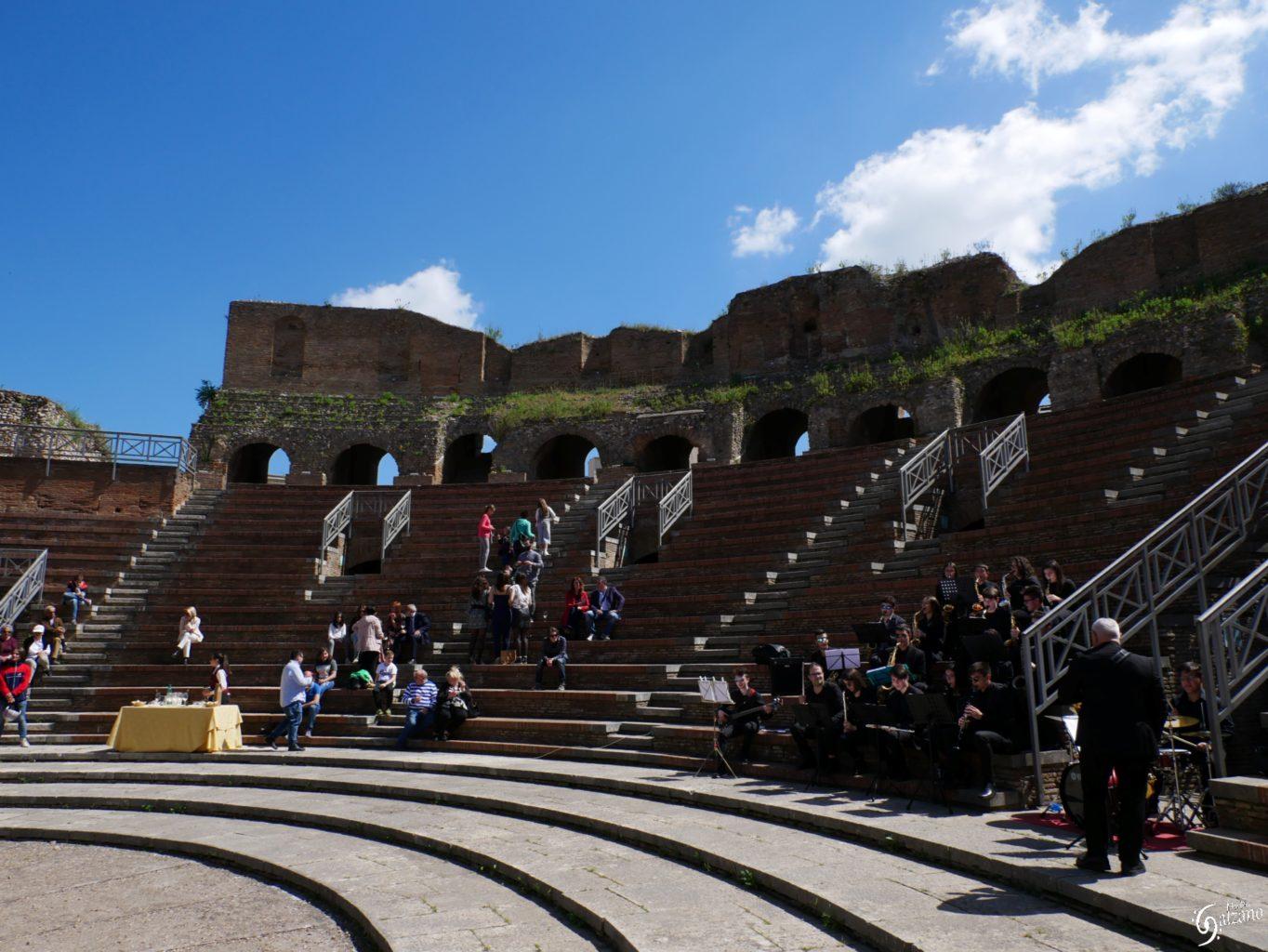 """Benevento  Al Teatro Romano """"Aperitivo in Musica"""" domenica 8 dicembre"""
