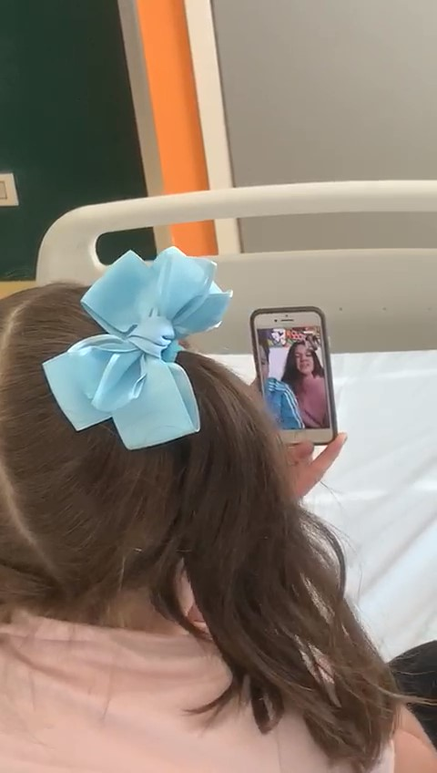 """Avellino  La piccola Giovanna e la videochiamata con Lui e Sofì, gioia ed emozione al """"Moscati"""""""