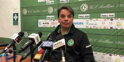 """Avellino, Capuano: """"Situazione non facile, ma la squadra si sta comportando bene"""""""