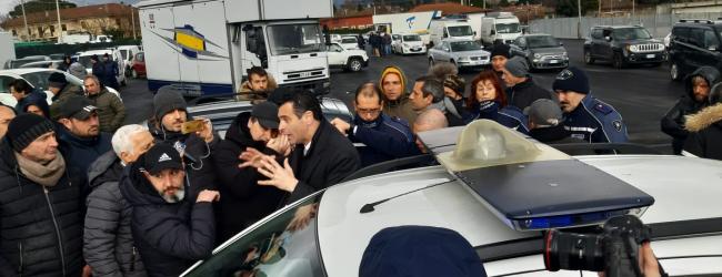 Avellino| Sopralluogo a Campo Genova per il mercato, attimi di tensione tra il sindaco e gli ambulanti