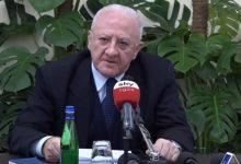 """Covid-19, nuovo appello di De Luca: """"Il Governo confermi l'obbligo per tutti di rimanere a casa"""""""