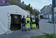 Coronavirus, montata davanti all'ospedale di Ariano Irpino la tenda pre-triage