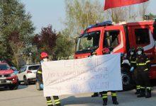 Benevento| Il momento della solidarietà: i Vigili del Fuoco omaggiano i medici e gli infermieri del San Pio