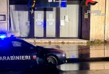 Avellino| Bomba carta davanti al Centro per l'Impiego, vetrina in frantumi