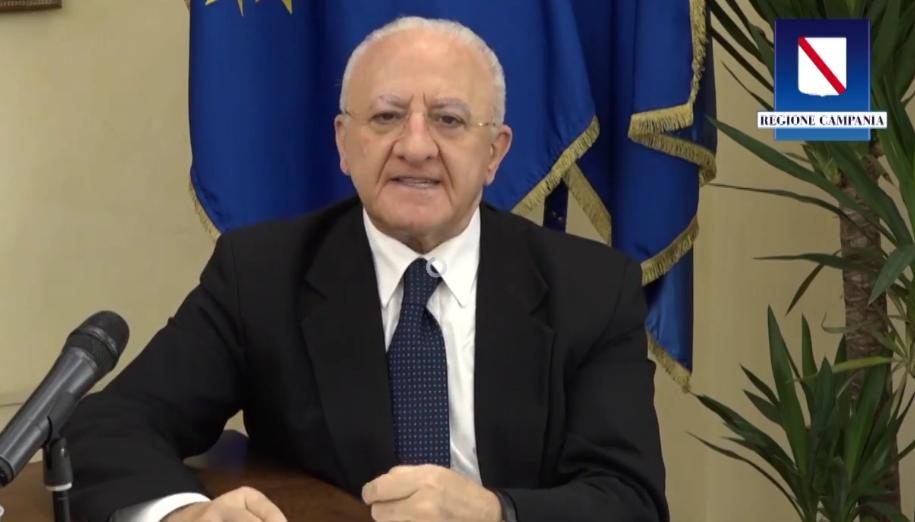 Covid-19, in arrivo una nuova ordinanza: in Campania quarantena obbligatoria per cittadini che rientrano dall'estero