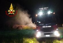 Guardia Lombardi| In fiamme tre rotoballe di fieno, paura della notte in contrada Santa Maria
