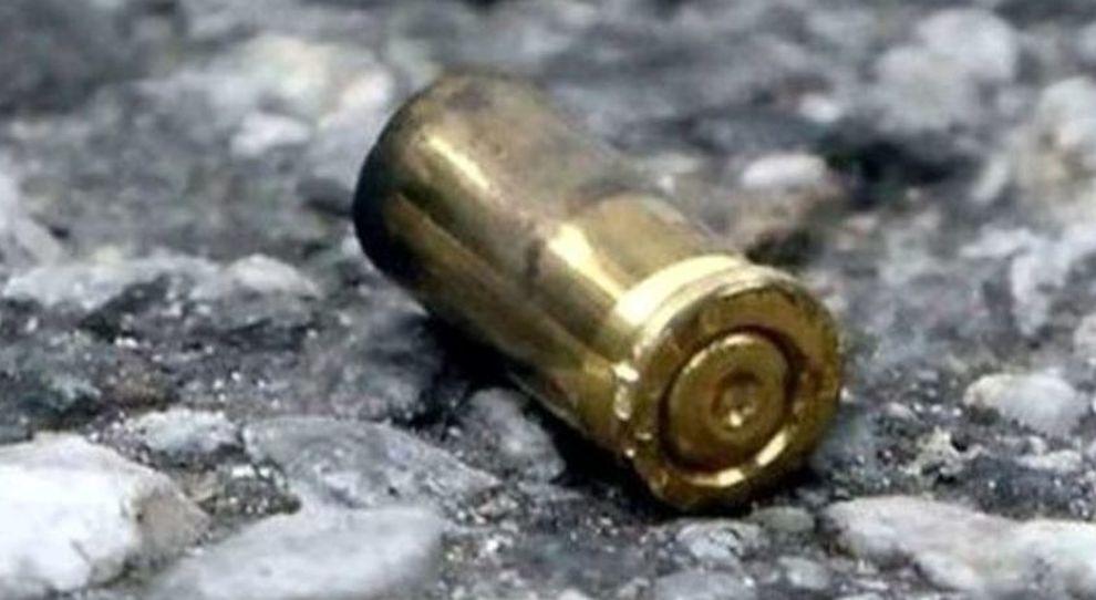 Avellino| Bossolo ritrovato davanti a un negozio del centro, indaga la polizia