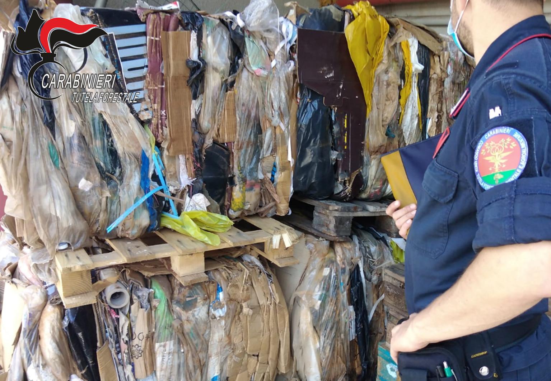 Solofra| Smaltimento illecito di imballaggi contaminati, 4 denunce per una conceria