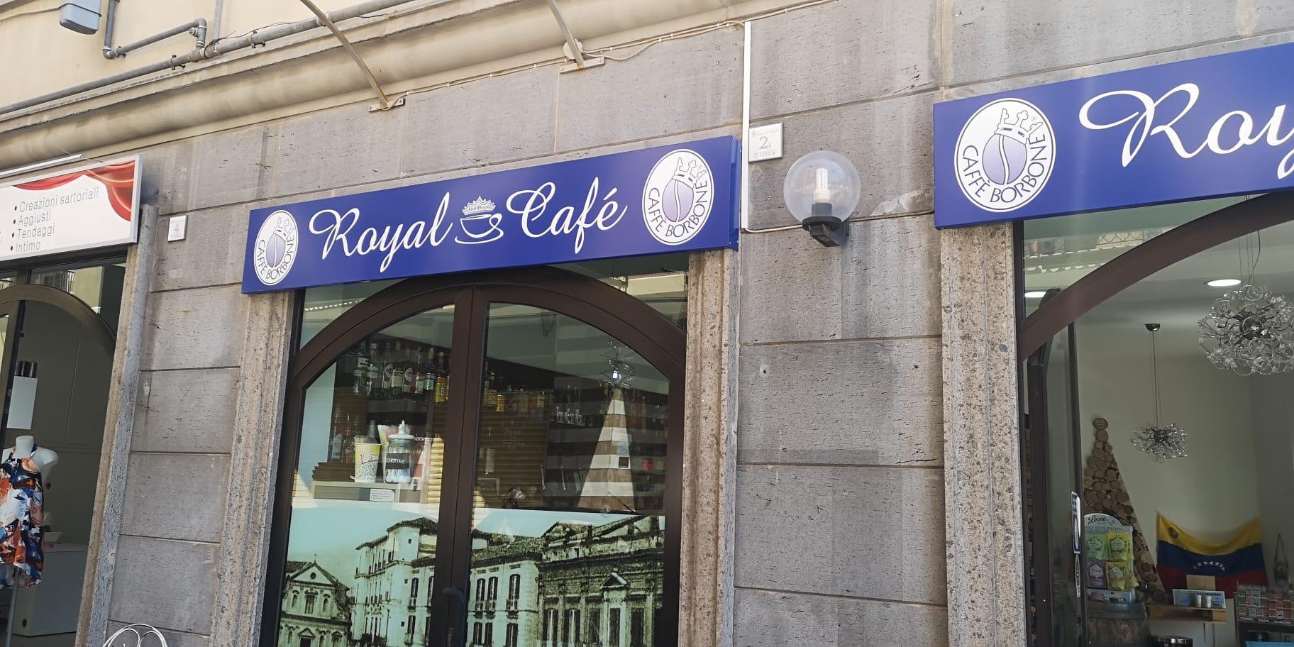 Avellino  Tenta di introdursi nel Royal Cafè, 27enne arrestato dai carabinieri