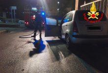 Avellino| Auto incendiata, vigili del fuoco spengono il rogo