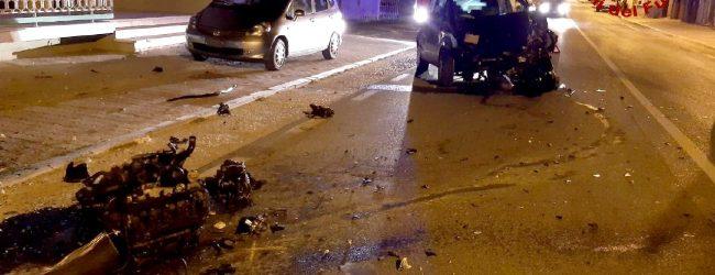 Mirabella Eclano| Sbanda con l'auto e finisce contro il cancello di una casa, conducente al Frangipane