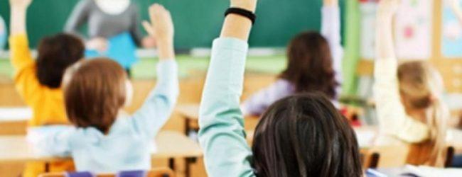 Covid-19, lunedi la decisione sulla ripresa delle lezioni in presenza
