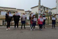 Benevento  'Io voglio andare a scuola, No alla Dad':  genitori e figli scendono in strada