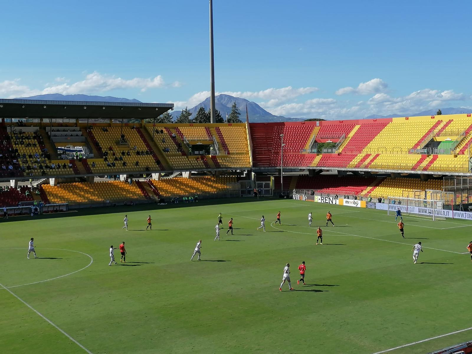 Stadio Vigorito, si punta all'aumento della capienza a 17.458, sperando nella fine della pandemia