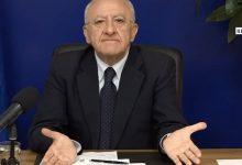 """Campania """"zona rossa"""", De Luca ironizza: """"Unica zona rossa esistente è quella dell'aglianico"""""""