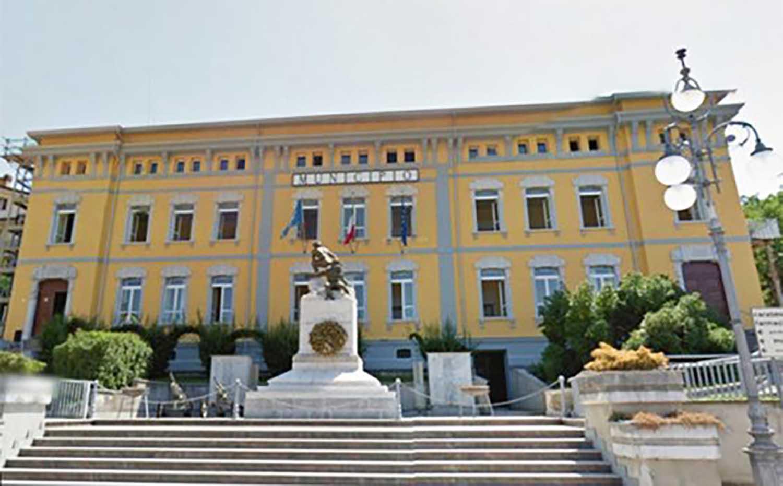 Pratola Serra| Caso scuola elementare, botta e risposta tra opposizione e maggioranza