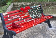 Benevento| Giornata contro la violenza sulle donne: una panchina rossa per non dimenticare