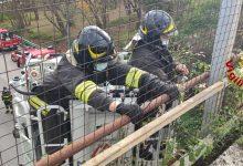 Avellino| Tubolari pericolanti dal viadotto sulla variante, intervento dei vigili del fuoco a San Tommaso