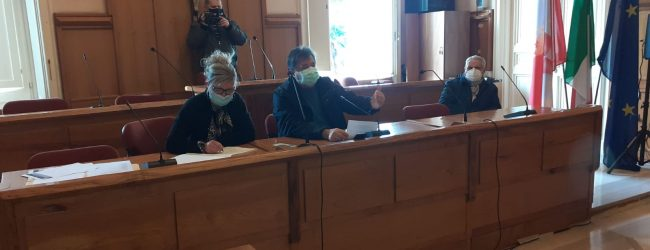 Benevento| Commissioni acefale, bagarre in aula