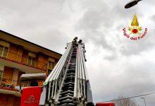 Raffiche di vento in Irpinia, numerosi interventi dei vigili del fuoco