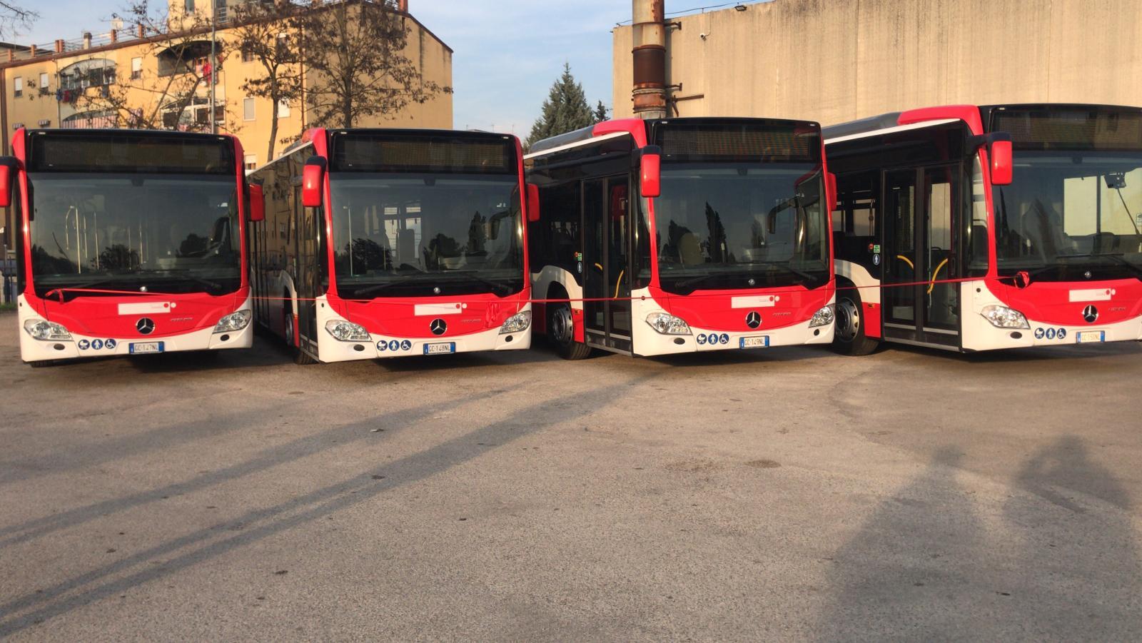 Incendiarono tre minibus della Trotta, in carcere tre giovani beneventani