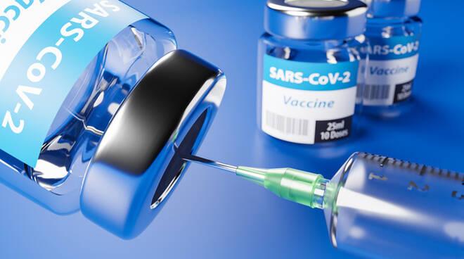 """Vaccini Pfizer, consegnati 390 flaconi al """"Frangipane"""" di Ariano: sono destinati alla seconda dose"""