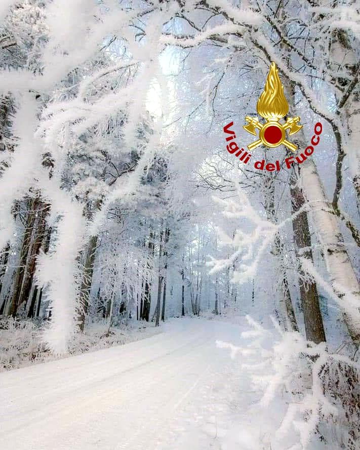 Neve in Irpinia, famiglie bloccate in auto sulla strada del Laceno