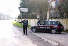 Durazzano  Dapprima litiga con un extracomunitario, poi con un'auto rubata lo investe mentre rincasava con la propria bici. Arrestato dopo poche ore