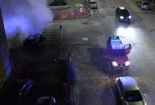 Benevento| Auto in fiamme in via Vitelli,Vigili del fuoco a lavoro