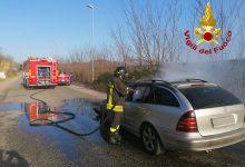 Avellino| Auto in fiamme a contrada Scrofeta, sotto shock il conducente: intervento dei vigili del fuoco